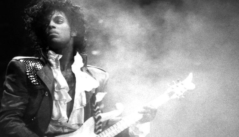 Prince himself.</br>Una voce e una chitarra