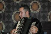 Fisarmonica jazz: intervista a Valerio Chiovarelli
